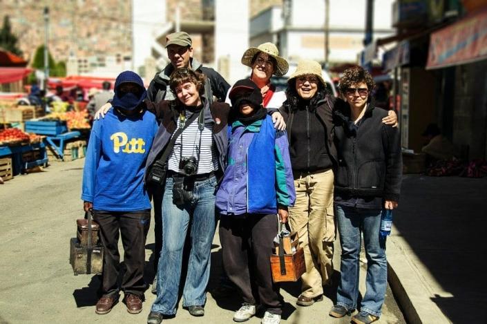 La Paz city tour met project Shoe Shiner