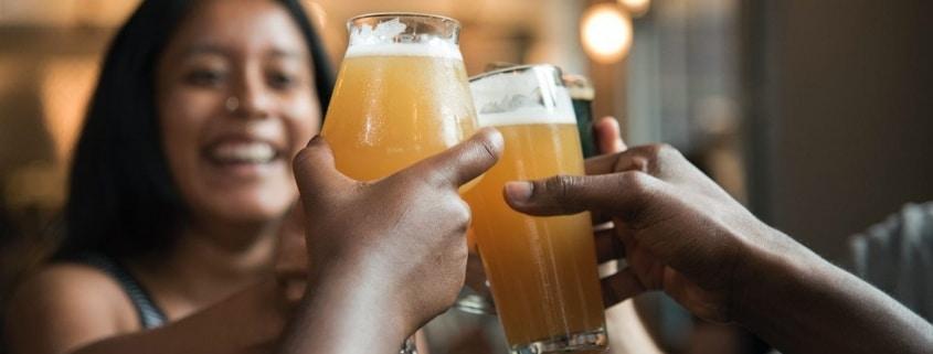 Keuzestress? Laat de bierprijs meewegen in je overweging voor de perfecte lustrumtrip!