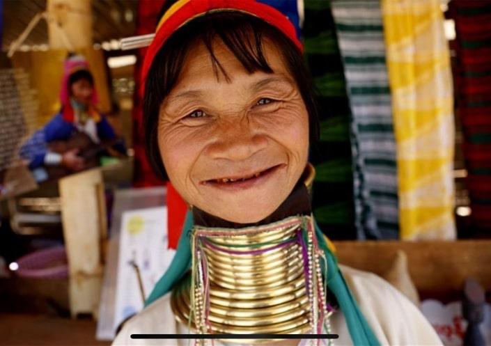 Lustrumreis naar Thailand - Op bezoek bij Karen