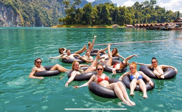 Lustrumreis naar Thailand - Tubing on the River Kwai