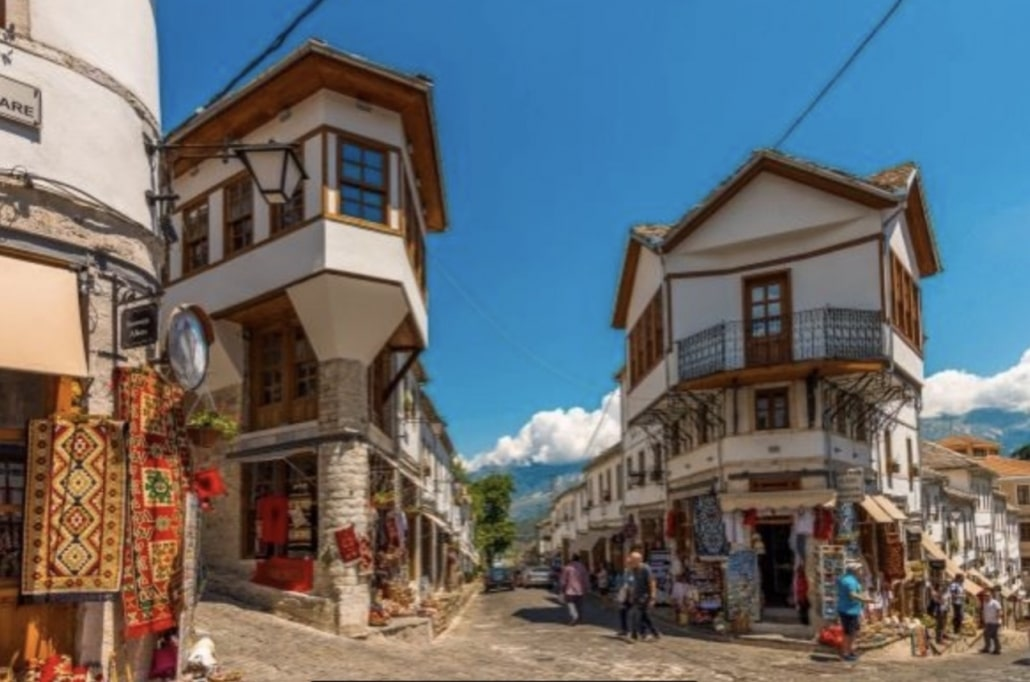 Lustrumreis Albanië! - Gezellig Gjirokastra