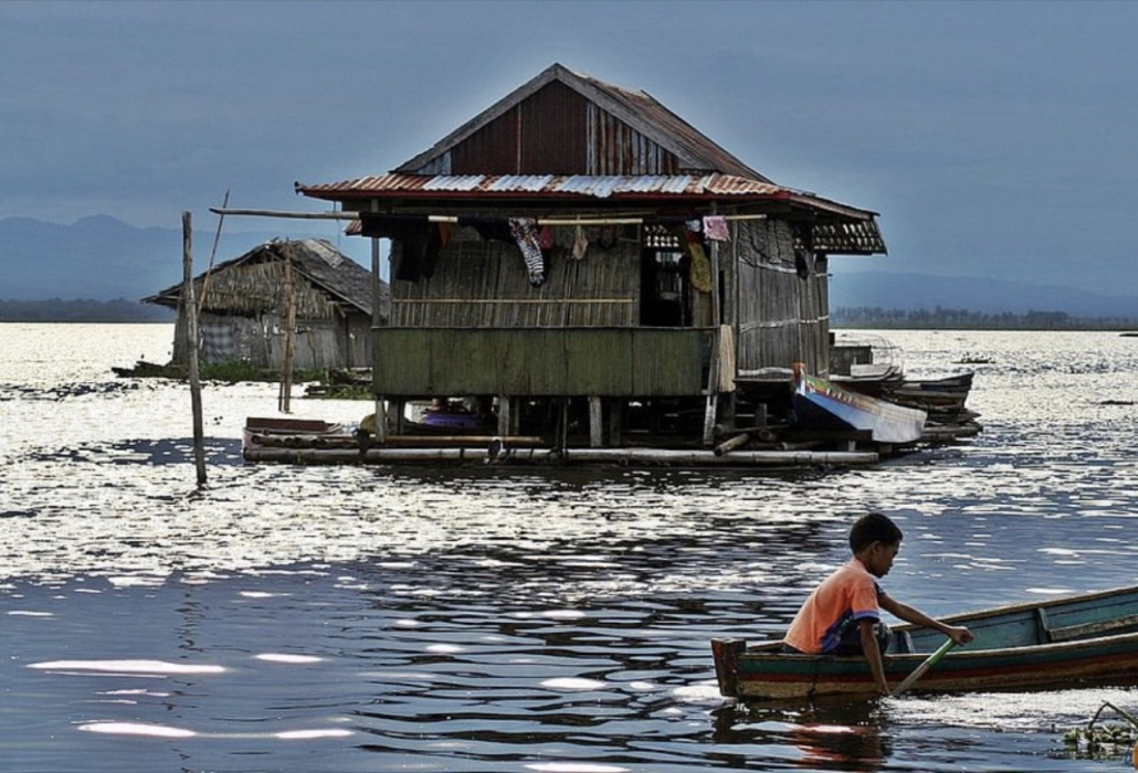Lustrumreis naar Sulawesi in Indonesië! - Drijvende dorpjes