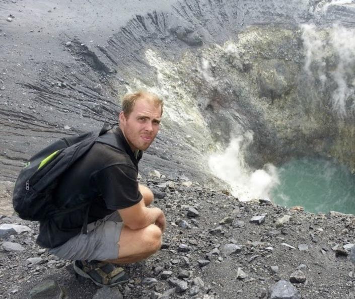 Lustrumreis naar Sulawesi in Indonesië! - Vulkanische pracht en houten palen